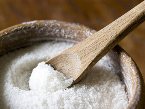 Йодираната сол влошава консервите