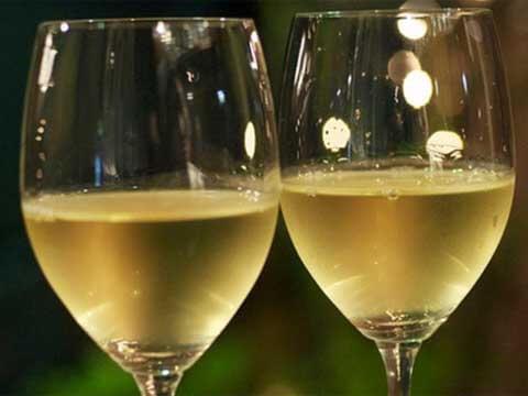 Кога да бутилираме бялото вино?