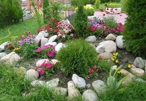 Септемврийски грижи за цветните лехи